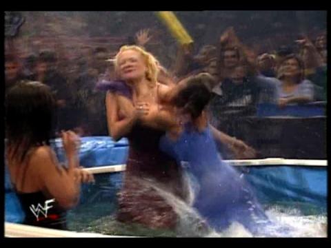 Former WWE Diva & Miss TNA... Kathy Dingman achtergrond called BB - Armadgeddon 1999