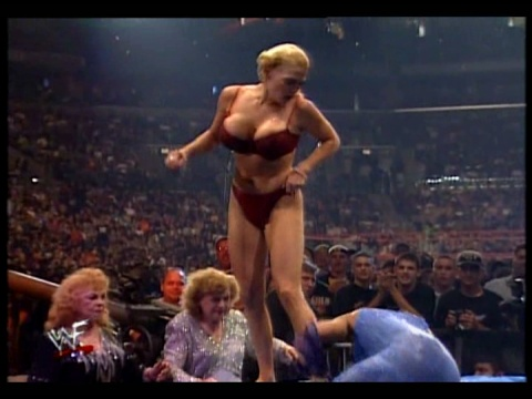 Former WWE Diva & Miss TNA... Kathy Dingman achtergrond probably with skin entitled BB - Armadgeddon 1999