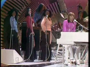 """Barry Manilow And Lady Flash On """"The Midnight Special"""" Back In 1975"""