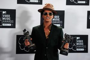 Bruno Mars - VMA's 2013