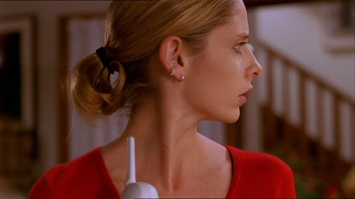 "buffy, a caça-vampiros wallpaper probably containing a portrait entitled BtVS ""The Body"" Screencaps"
