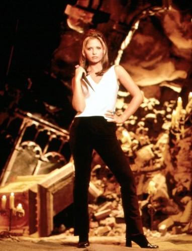 Buffy Summers hình nền probably with a buổi hòa nhạc and a ngọn lửa, chữa cháy entitled Buffy Summers Season 1 Promos