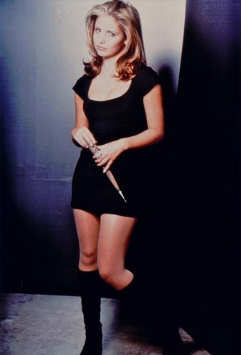 Buffy Summers karatasi la kupamba ukuta possibly with bare legs and hosiery entitled Buffy Summers Season 1 Promos