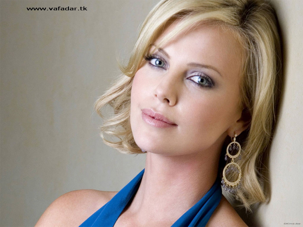 Beautiful Female Celebrities Images Charlize Theron 2 Hd Wallpaper
