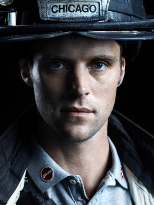 Chicago fuego Season 2 Promotional Cast fotos