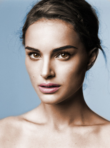 Natalie Portman wallpaper possibly containing a portrait titled Colorisations