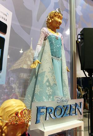 Elsa's costume