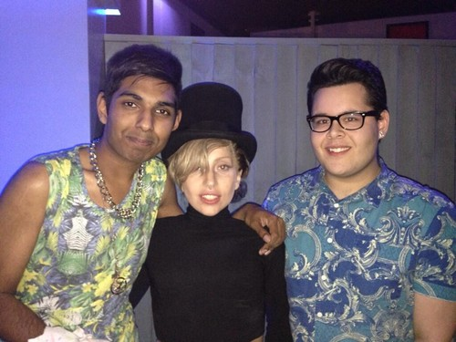 Lady Gaga karatasi la kupamba ukuta called Gaga Backstage At Roundhouse In London (Sept. 1)