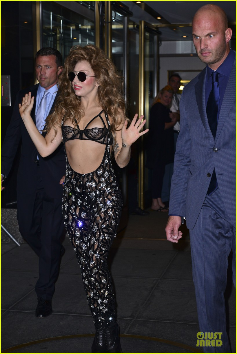 Gaga in NYC (Aug. 26)