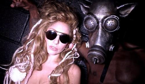 Gaga rehearsing for #SWINEFEST