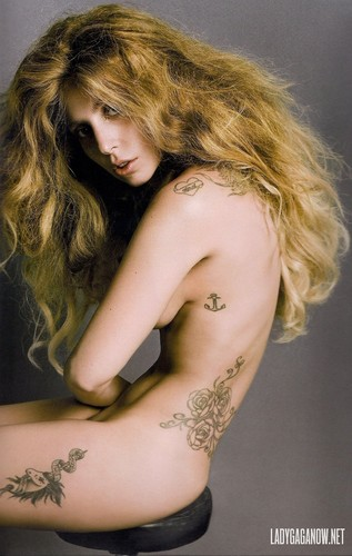 Lady Gaga fond d'écran possibly with skin and a portrait called HQ Scans of Gaga's photos for V Magazine