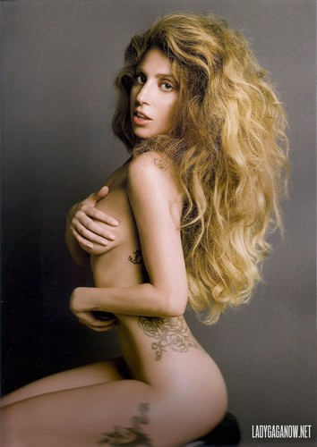 लेडी गागा वॉलपेपर probably with skin and a portrait called HQ Scans of Gaga's चित्रो for V Magazine