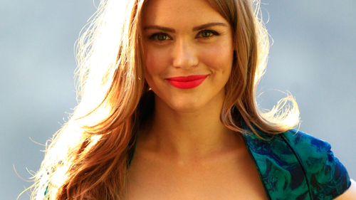 Holland Roden wallpaper containing a portrait titled Holland Roden