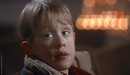 Macaulay culkin images home alone wallpaper and background for Wallpaper home alone