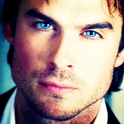 Ian Somerhalder Hintergrund with a business suit and a portrait entitled Ian!