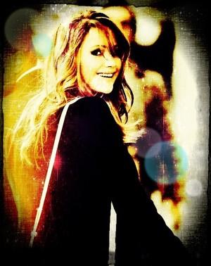 Jennifer Lawrence, edited 由 me. :)