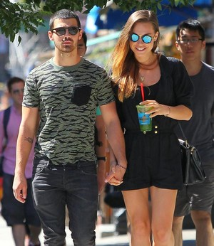 Joe Jonas And Blanda