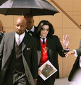 Johnnie Cocharan's Funeral Back In 2005 - michael-jackson photo