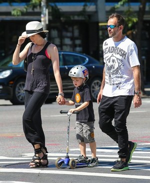 Jonny Lee Miller Spends the دن with His Family