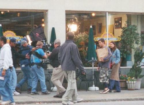 Joshua Jackson & Katie Holmes fond d'écran probably with a brasserie called Josh & Katie