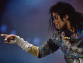 MJ pointing - michael-jackson photo