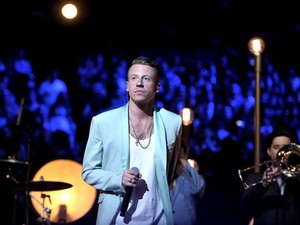 Macklemore - Performance at the MTV VMA's 2013