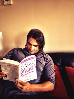 Mark pagbaba a book :P