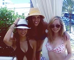 Nina Dobrev, Candice Accola & Kayla Ewell