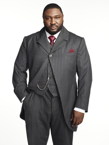 Dracula NBC fondo de pantalla with a business suit, a suit, and a double breasted suit titled Nonso Anozie as R.M. Renfield