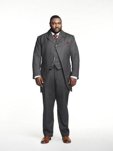 Dracula NBC fondo de pantalla with a business suit, a suit, and a well dressed person called Nonso Anozie as R.M. Renfield