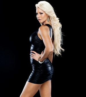 Pretty Evil Things: Maryse