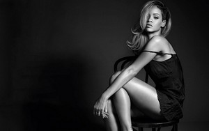"Rihanna for ""Rogue""perfume"