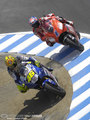 Rossi / Stoner_corkscrew - valentino-rossi photo
