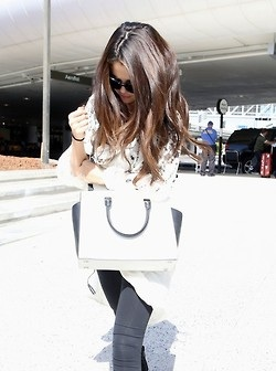 Selena at LAX (August 27)