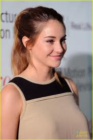 Shailene Woodley wallpaper containing a portrait entitled Shai