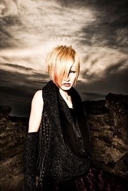 About you and me Shoya-diaura-35419640-258-385