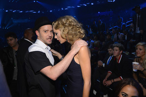 Taylor is #1 Justin Timberlake fangirl
