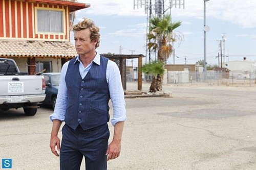 The Mentalist wallpaper containing a business suit entitled The Mentalist - Episode 6.01 - The Desert Rose - Promotional Photos
