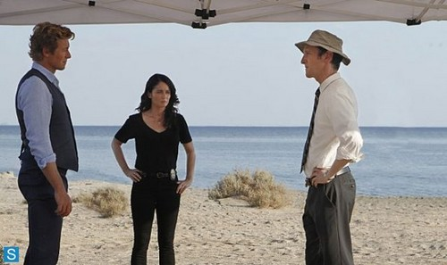 The Mentalist wallpaper probably containing a parasol titled The Mentalist - Episode 6.01 - The Desert Rose - Promotional Photos