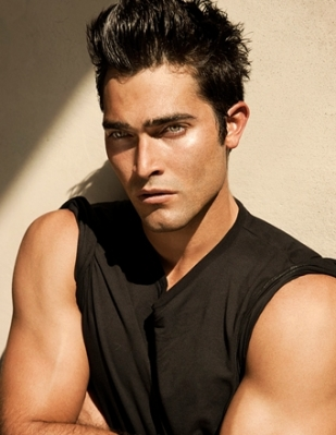 Tyler Hoechlin karatasi la kupamba ukuta possibly with a portrait entitled Tyler Hoechlin