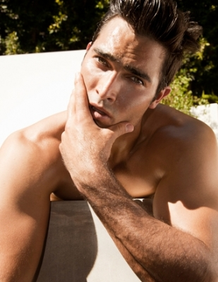 Tyler Hoechlin fond d'écran possibly containing a gros morceau, hunk and skin titled Tyler Hoechlin