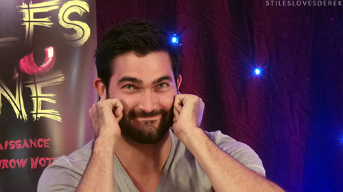 Tyler Hoechlin fond d'écran possibly containing a concert entitled Tyler Hoechlin