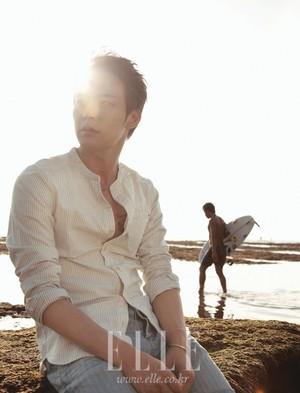 Yoochun fot 'ELLE'