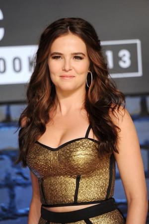 Zoey Deutch at mtv VMAs