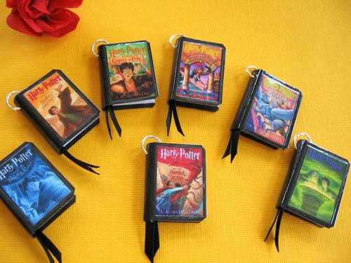 Harry Potter wallpaper entitled mini books