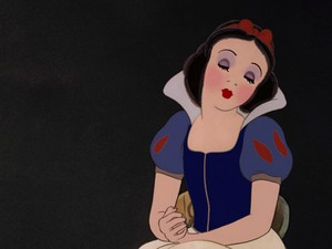 snow white's perfomance look