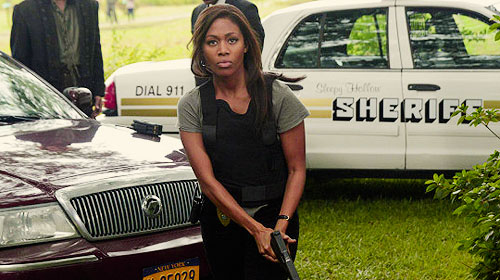 Sleepy Hollow (TV Series) karatasi la kupamba ukuta with an automobile, a hatchback, and a hatchback called Abbie Mills