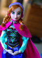 Anna Disney Store doll's details
