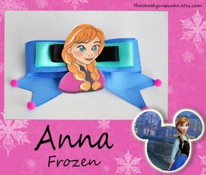 Anna Hair Bow