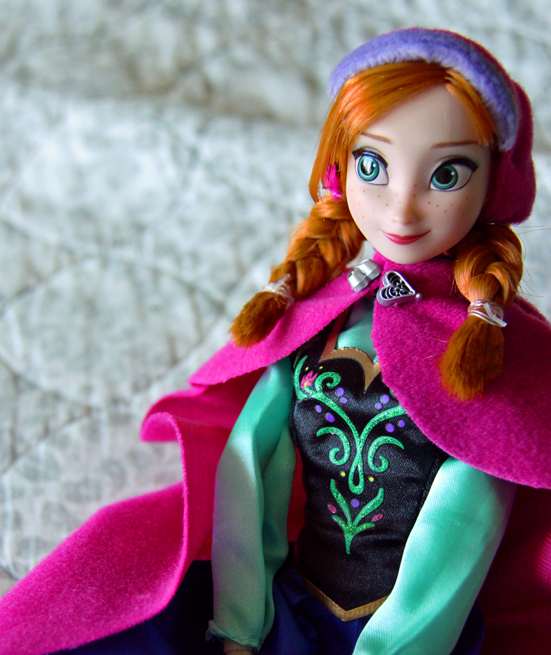 Anna and Elsa Disney Store Dolls